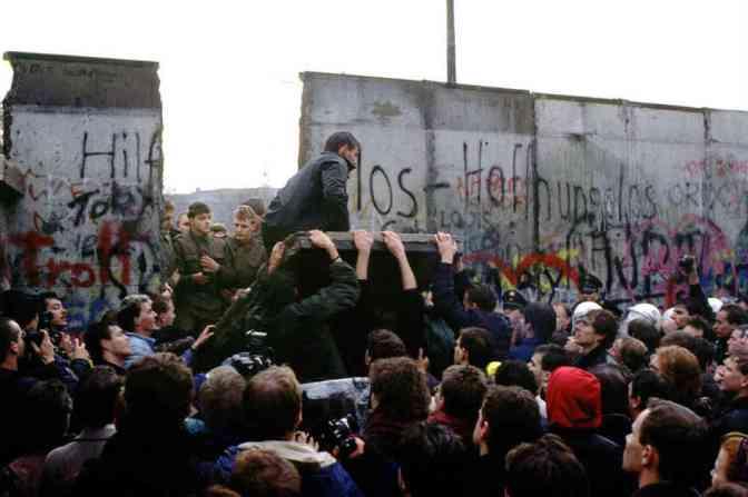 25 ปีหลังกำแพงเมืองเบอร์ลินพังลงมา